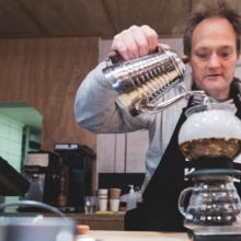 Nå er Christer barista i =Kaffe